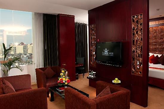 Gino Feruci Kebonjati Bandung: Living Room