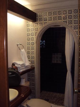 Hotel Lunata: Baño de la habitación