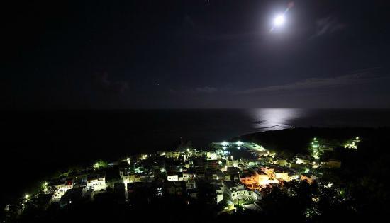 Ocean Paradise Resort: Private Ocean View - Moonlight