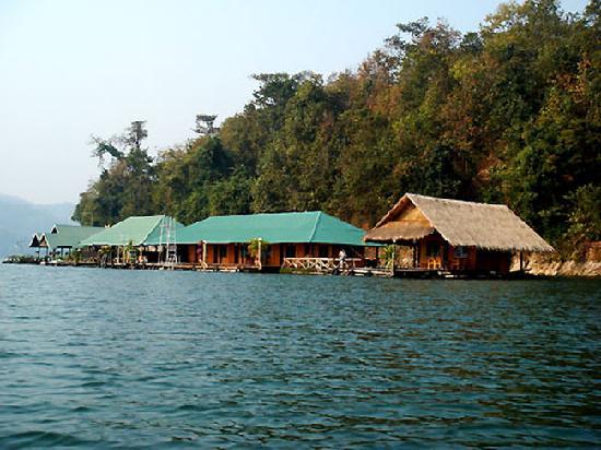 Eakachai Houseboat Chiang Mai: Eakachai House Boat
