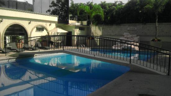 Malibu Hotel: Hotel Pool