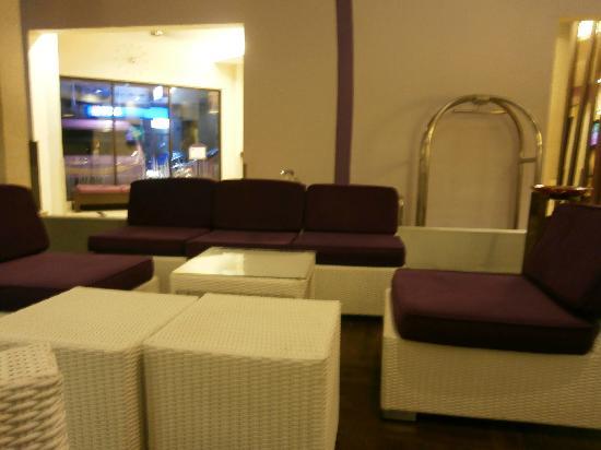 Kuta Central Park Hotel: Lobby area