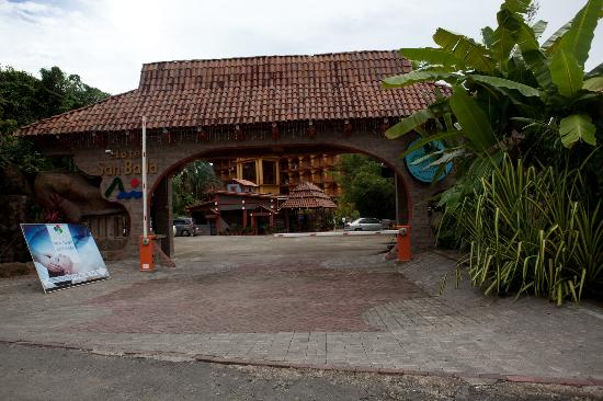 Hotel San Bada: The entrance is closer to Manuel Antonio Park than the ticket booth!!