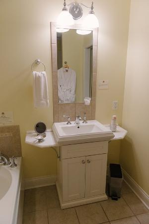 SevenOaks: Bathroom Sink