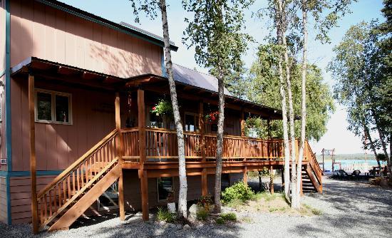 Riddle's Fishing Lodge : Main Lodge Deck