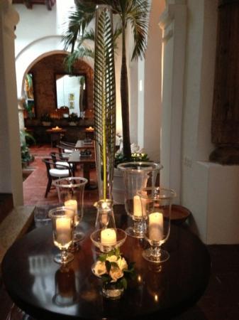 Agua Hotel: Foyer
