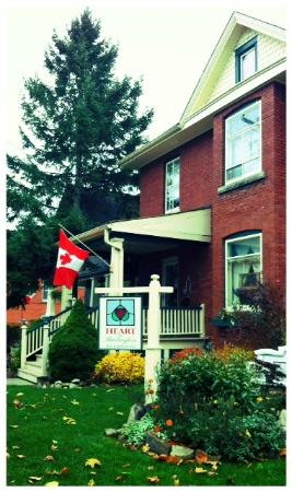 Heart Of Burlington Bed and Breakfast: Charming Bed & Breakfast