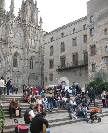 Hotel Barcelona Catedral: The front of the Catedral is always happening...