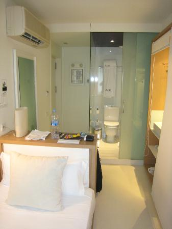 Hotel Denit Barcelona: My Room
