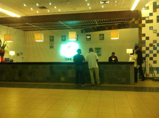 Holiday Inn Accra Airport: The Reception