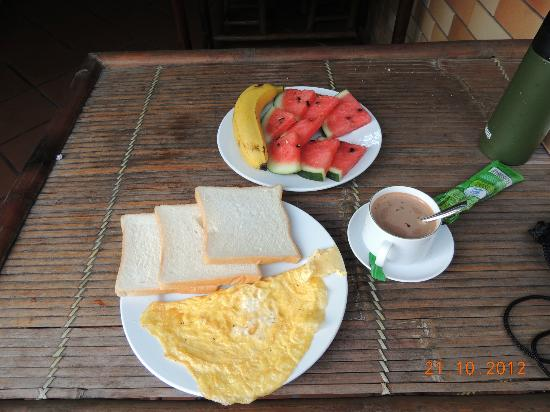 Hanoi Hostel: Simple breakfast