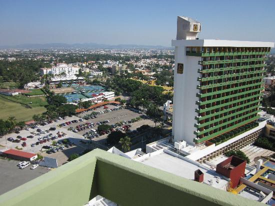 El Cid El Moro Beach Hotel: Barandal bajo, vista al Cid Castilla
