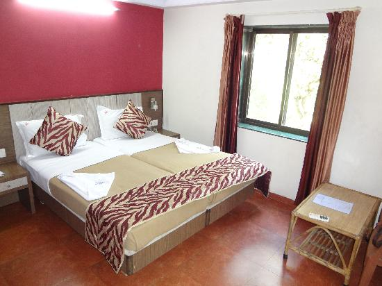 Hotel Viva Baga: Neat rooms. Double bed.