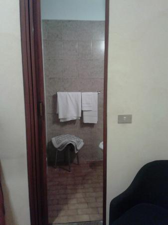 Hotel Garden: mini porta del bagno
