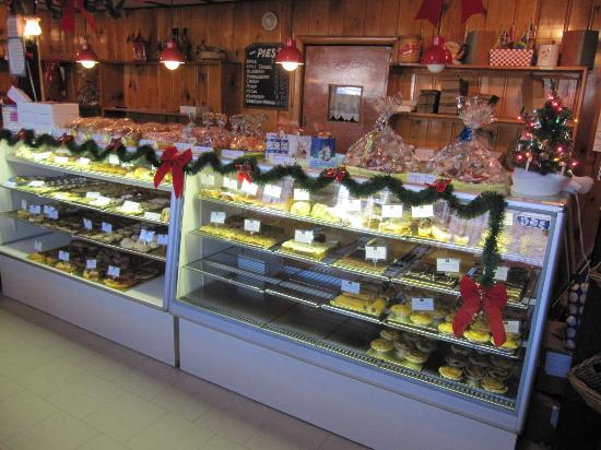 Henrietta's Pine Bakery: Christmas at Henrietta's