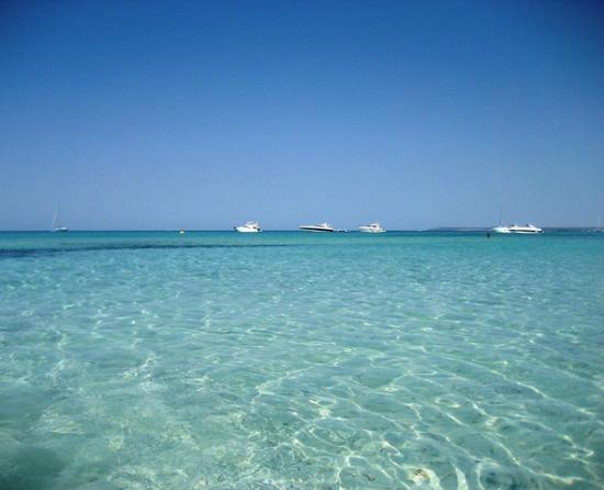 Playa de Es Trenc: Céu azul, muito sol e mar turqueza