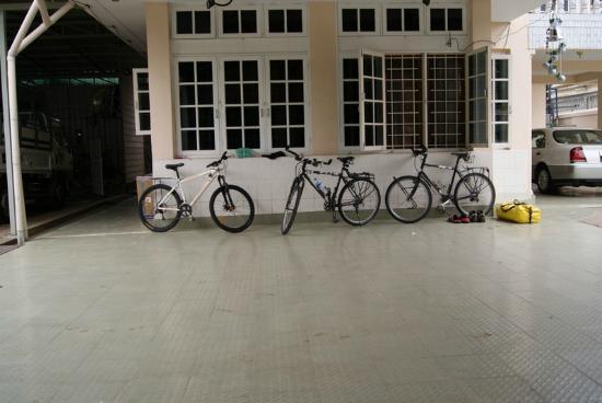 Bike World Bed, Breakfast & Bike: Bikes at Bike World, Guest and hotel-owned