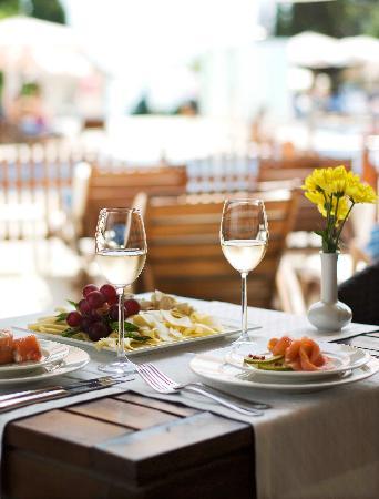 Melia Grand Hermitage: FOOD