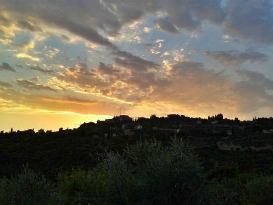 Da Alice: The hill at sunset