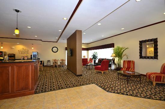 Best Western Plus Kansas City Airport-Kci East: Lobby Seating