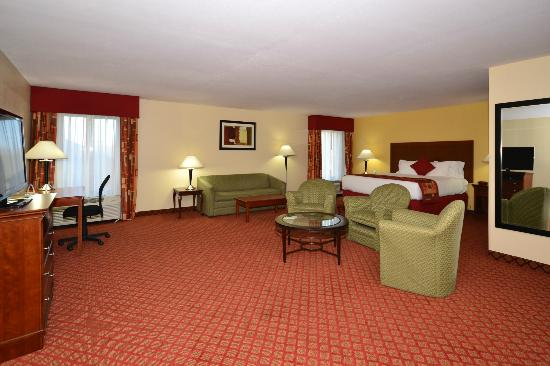 Best Western Plus Kansas City Airport-Kci East: King Suite