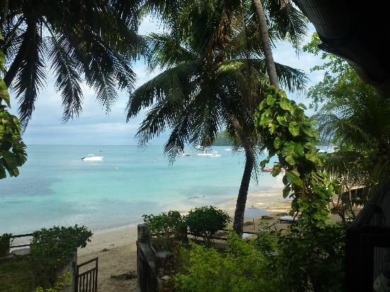 Hotel Gerard et Francine: vue depuis emplacement petit dêjeuner