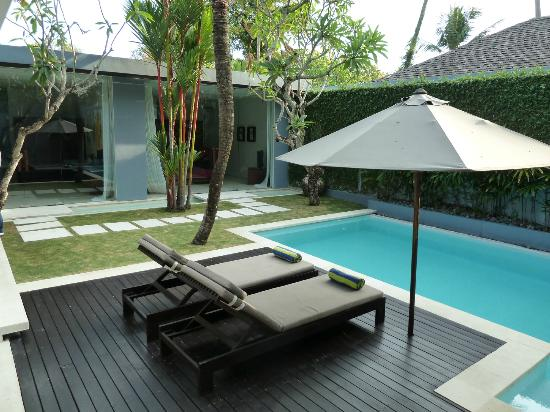 Kembali Villas: Veiw of rooms and pool