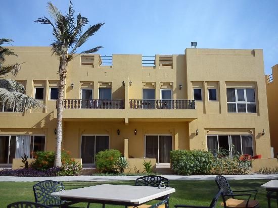 Al Hamra Village Golf & Beach Resort: One of the chalets overlooking the pool