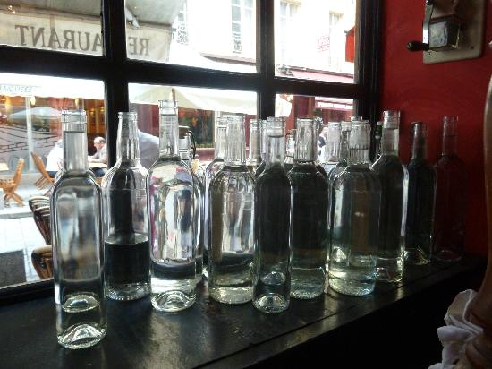 Chez Lazare: Water is served complimentary in wine bottles
