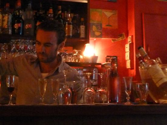 Chez Lazare: bartender