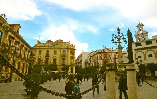 Plaza del Triunfo : plaza