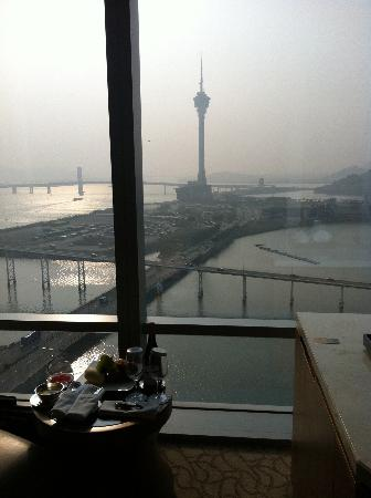 Mandarin Oriental Macau : Love the view of Macau Tower