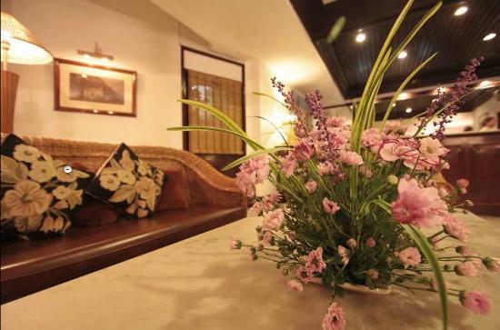 Hotel Centre Point: Lobby