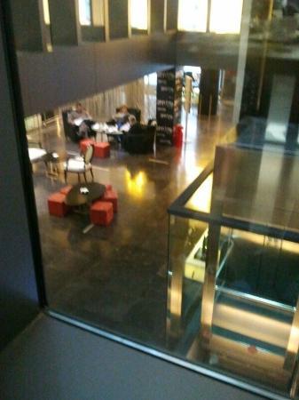 Vincci Zaragoza Zentro: Cafetería y recepción