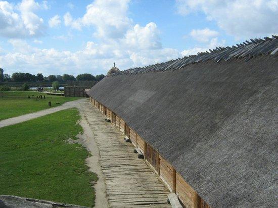 Muzeum Archeologiczne w Biskupinie: Biskupin