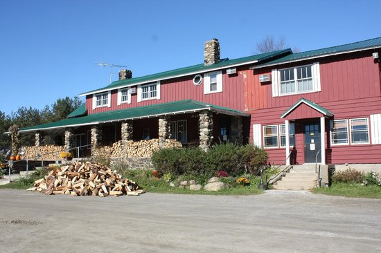 Front of Melody Lodge