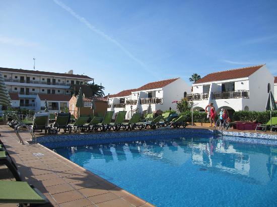 Hotel Parquemar: Pool area