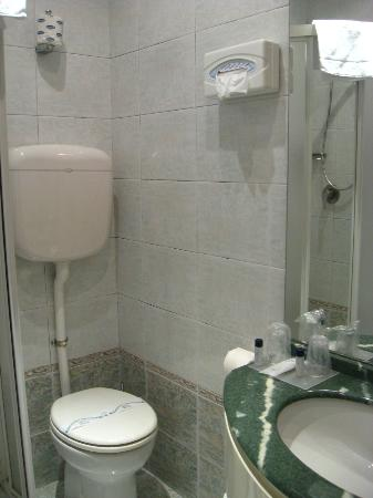 Novo Hotel Rossi: bathroom