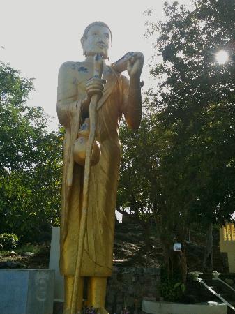 Baan KangMung HuaHin Resort: Buddha at Wat