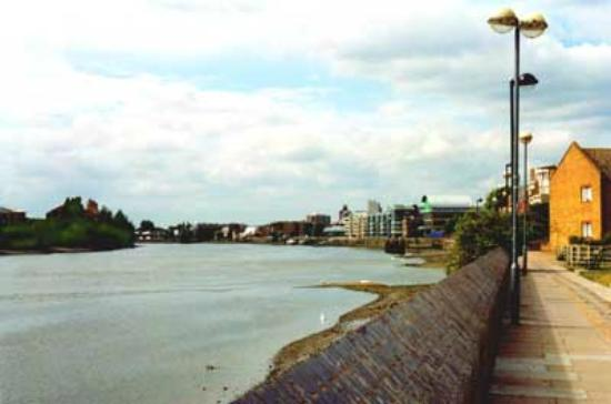 Hammersmith Thames Walk Bed and Breakfast