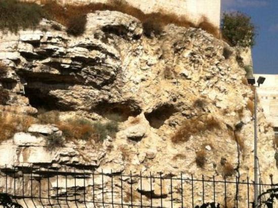 Garden Tomb: Skull look alike hill [Golgotha?]