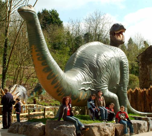 Wookey Hole : Dinosaur Valley