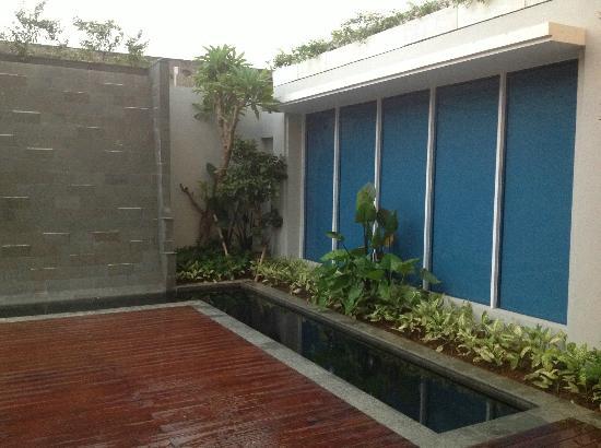 Emersia Hotel & Resort: Pool Area