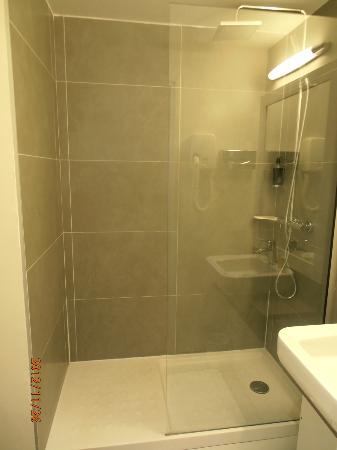 BEST WESTERN Le Montparnasse: Die schöne Dusche