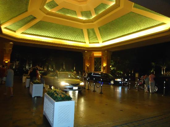 Atlantis, The Palm: The Grand Entrance