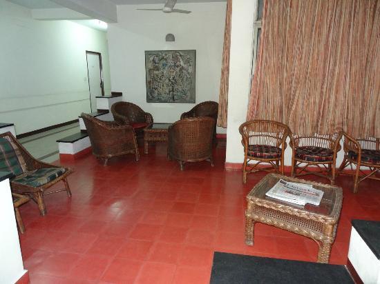 YWCA Guest House: nice 2nd floor lounge
