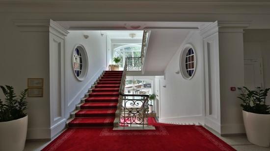 Hotel Elizabeth: Stairs