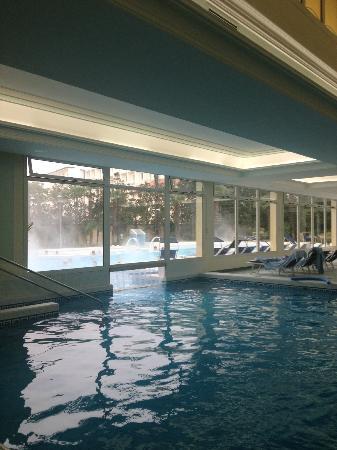 Hotel Terme Due Torri: Piscine intérieure à 35 degrés