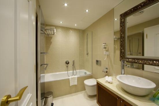 Hotel Elizabeth: Bathroom