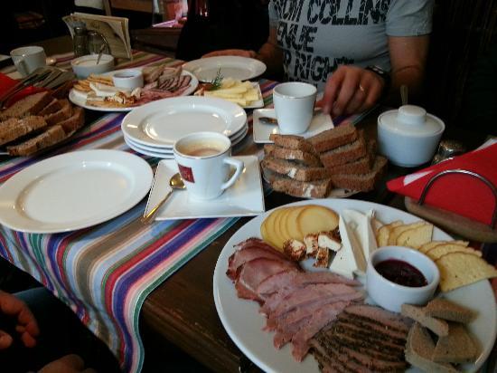 Specjaly Regionalne: petit déjeuner polonais